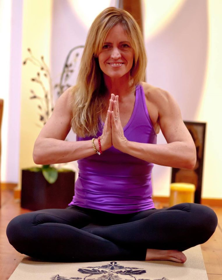 Jill Knouse Yoga - 17 Yoga Trainers and Experts You Must Follow Online Today