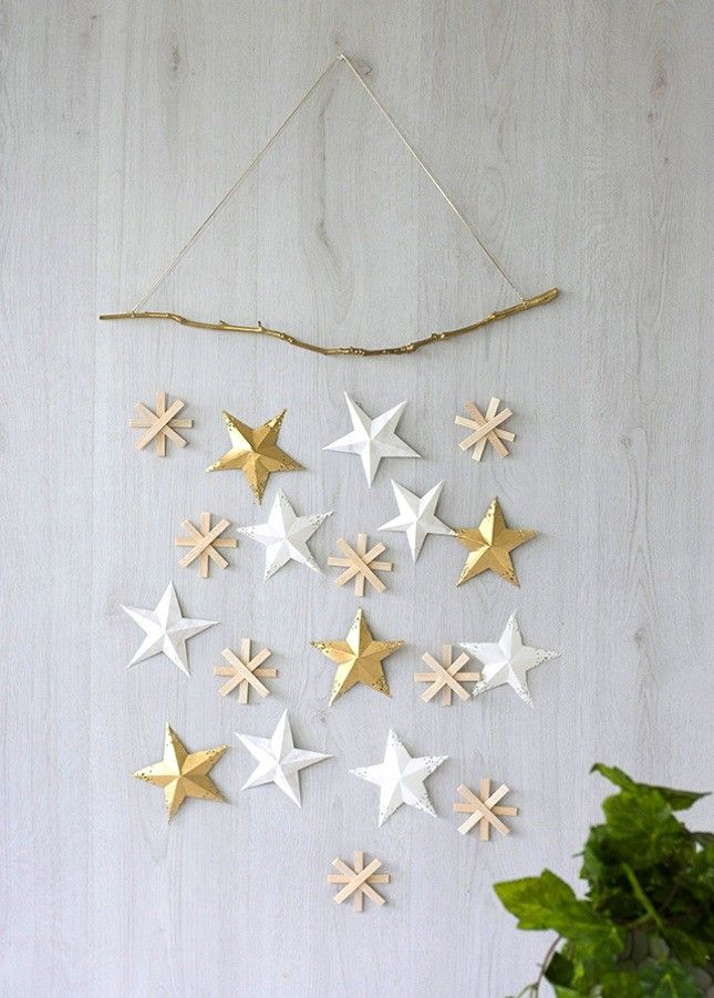 Diy Christmas Stars On The Walls