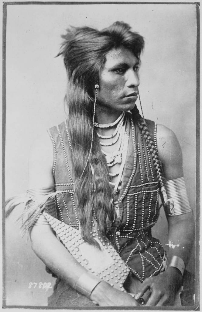 the gender roles in native and european americans Native american gender roles  the european american  the gender roles devised over generations by traditional plains indian societies persisted for so.