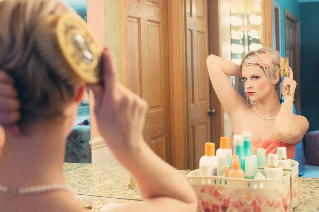 how to look glamorous on a budget